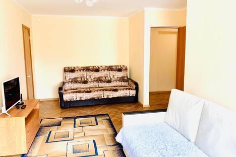 Сдается 2-комнатная квартира посуточно, ул. Гагарина, 37А.