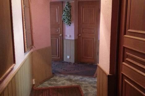 Сдается 2-комнатная квартира посуточно, ул. Комсомольская  д. 127.