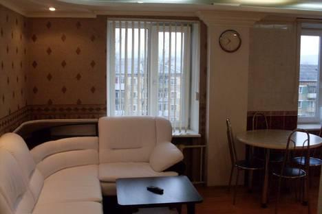 Сдается 2-комнатная квартира посуточно в Златоусте, 3 микрорайон,2.