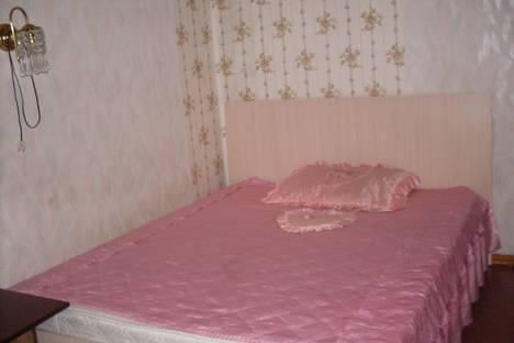 """Сдается 2-комнатная квартира посуточнов Златоусте, квартал""""Молодежный,1.."""