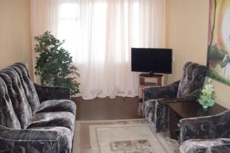 Сдается 2-комнатная квартира посуточнов Златоусте, третий микрорайон,30а.