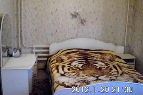 """Сдается 2-комнатная квартира посуточнов Златоусте, квартал """"Медик"""",7."""