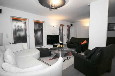 Сдается 3-комнатная квартира посуточно в Челябинске, проспект Ленина, 42.