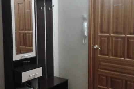 Сдается 2-комнатная квартира посуточно, 1 мкр дом 2.
