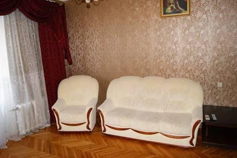 Сдается 2-комнатная квартира посуточно, ул. им маршала Чуйкова, 23.