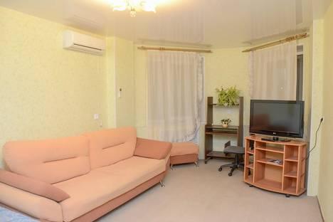 Сдается 1-комнатная квартира посуточно, улица Горького, 25.