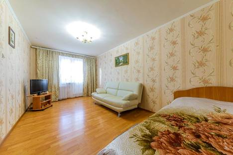 Сдается 1-комнатная квартира посуточнов Кирове, ул. Короленко, 23.