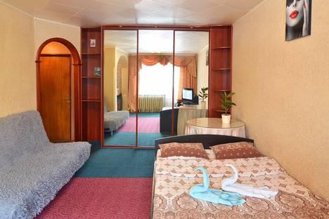 Сдается 1-комнатная квартира посуточно, проспект Октября, 65.