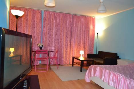 Сдается 1-комнатная квартира посуточно в Нижнем Новгороде, Веденяпина д.10 а.