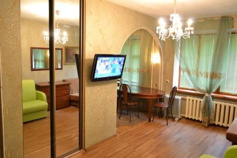 Сдается 1-комнатная квартира посуточно в Нижнем Новгороде, Молодежный проспект, 2.