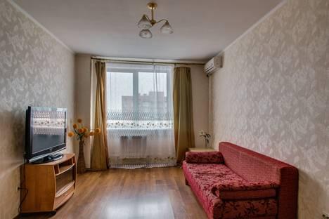 Сдается 1-комнатная квартира посуточнов Ростове-на-Дону, проспект Михаила Нагибина, 14г.