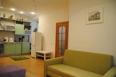 Сдается 2-комнатная квартира посуточнов Санкт-Петербурге, канал Грибоедова дом 57.