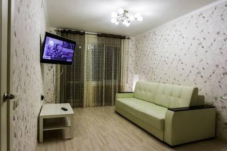 Сдается 2-комнатная квартира посуточно в Кирове, 65 Летии Победы Дом 3.