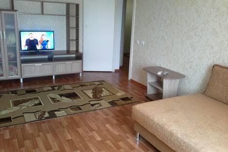 Сдается 2-комнатная квартира посуточно в Волжском, бульвар Профсоюзов 19.