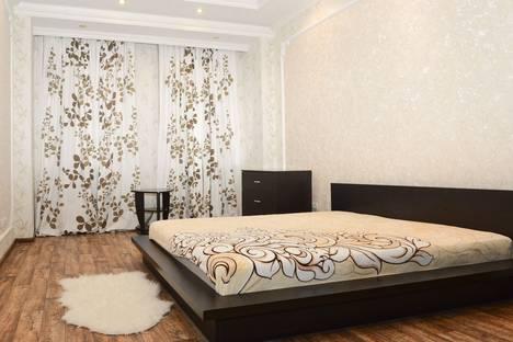 Сдается 3-комнатная квартира посуточнов Казани, Вишневского 3.