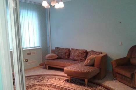Сдается 2-комнатная квартира посуточнов Сургуте, проспект Ленина, дом 62.