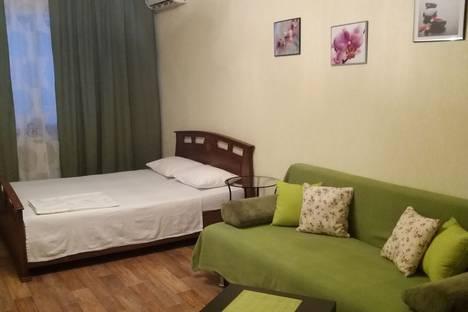 Сдается 1-комнатная квартира посуточно, Горького,76.