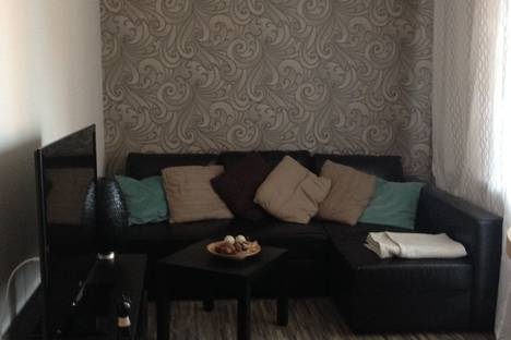 Сдается 2-комнатная квартира посуточно в Новосибирске, ул. Вокзальная магистраль, 6.