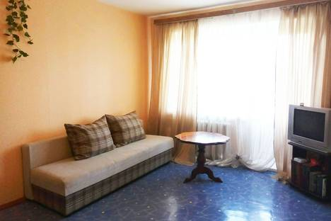 Сдается 2-комнатная квартира посуточно, проспект Карла Маркса, 121/5.