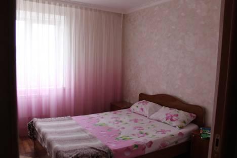 Сдается 3-комнатная квартира посуточнов Белореченске, ЛЕНИНА 87.