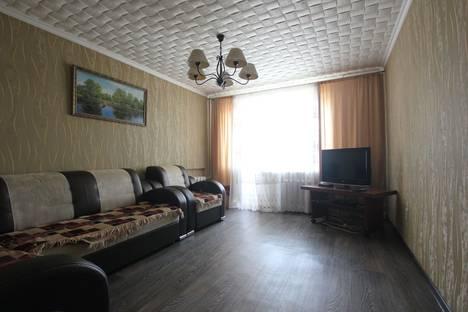 Сдается 2-комнатная квартира посуточно в Бузулуке, ул. Раздельная, 25.