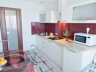 Сдается посуточно 1-комнатная квартира в Саратове. 40 м кв. Цветочная,1