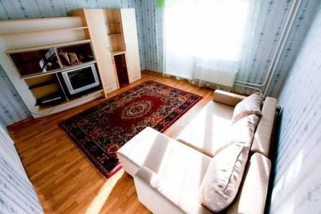 Сдается 2-комнатная квартира посуточно, Воскресенская ул., 95.