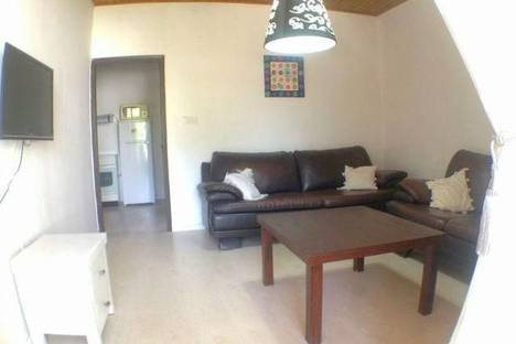 Сдается 2-комнатная квартира посуточно в Армавире, Луначарского 408 кв 78.
