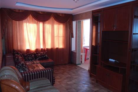 Сдается 3-комнатная квартира посуточно в Астрахани, ул. Николая Островского, 144.