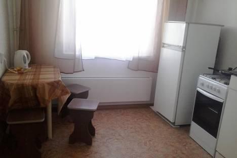 Сдается 2-комнатная квартира посуточно в Миассе, 8Марта,134.