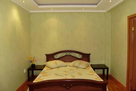 Сдается 2-комнатная квартира посуточно в Ульяновске, ул. Радищева, дом 5.
