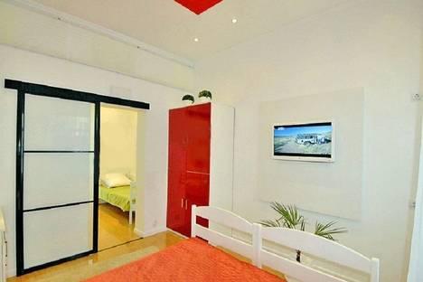 Сдается 2-комнатная квартира посуточнов Массандре, Игнатенко 7.