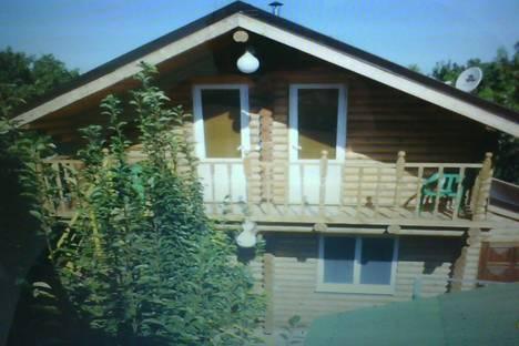 Сдается 2-комнатная квартира посуточно в Ейске, ул. Морская, 204.