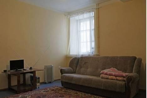 Сдается 1-комнатная квартира посуточно в Серпухове, ул. Советская, д. 15.