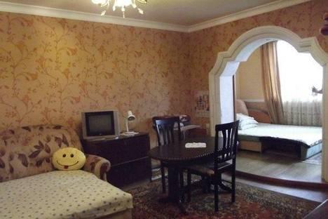 Сдается 1-комнатная квартира посуточно в Ялте, Сосновая ул., 16.