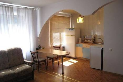Сдается 2-комнатная квартира посуточнов Нефтеюганске, 12 микрорайон 49 дом.