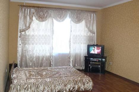 Сдается 1-комнатная квартира посуточно в Ейске, ул. Седина, 53/5.
