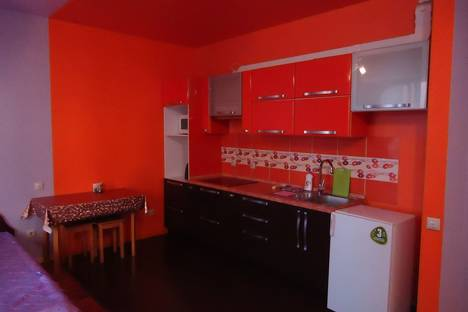 Сдается 1-комнатная квартира посуточно в Иркутске, ул. Байкальская, 107А.