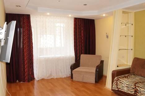 Сдается 3-комнатная квартира посуточнов Перми, ул. Крисанова, 15.