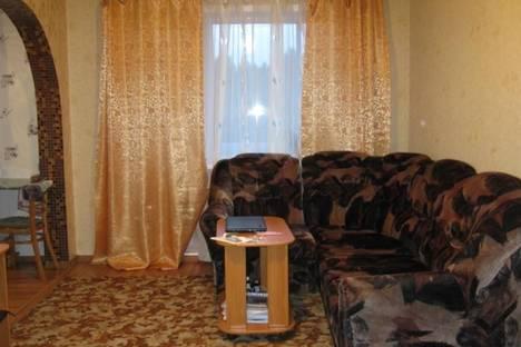 Сдается 2-комнатная квартира посуточно в Тулуне, мкр. Угольщиков, 26.