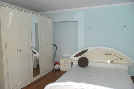 Сдается 2-комнатная квартира посуточно в Хабаровске, ул. Дзержинского, 4.