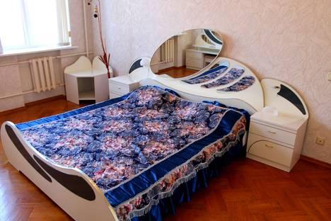 Сдается 3-комнатная квартира посуточно, ул. им маршала Чуйкова, 31.