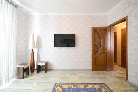 Сдается 2-комнатная квартира посуточнов Воронеже, Никитинская 54.