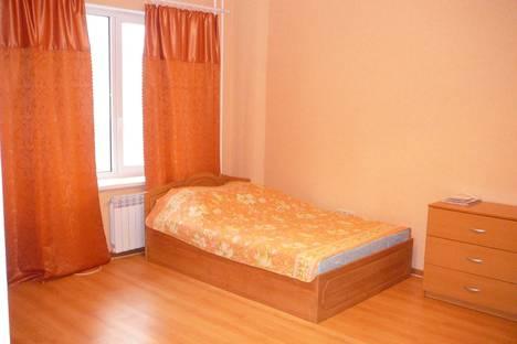 Сдается 1-комнатная квартира посуточнов Тюмени, ул. 50 лет ВЛКСМ, д. 13, корп. 1.