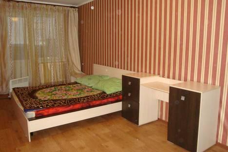 Сдается 2-комнатная квартира посуточно в Ижевске, ул. им Петрова, 43.