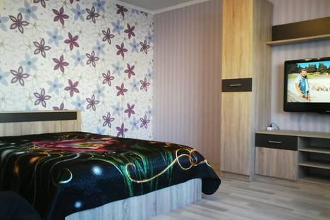 Сдается 1-комнатная квартира посуточно в Чебоксарах, ул. Юрия Гагарина, 47.