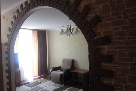 Сдается 1-комнатная квартира посуточнов Омске, ул. Иртышская Набережная, 26.