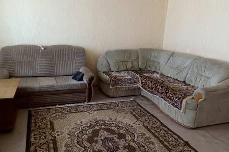 Сдается 2-комнатная квартира посуточно в Энгельсе, ул. Ломоносова, 28.