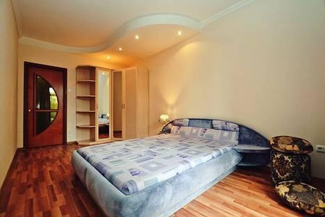 Сдается 2-комнатная квартира посуточнов Санкт-Петербурге, площадь Чернышевского, 3.