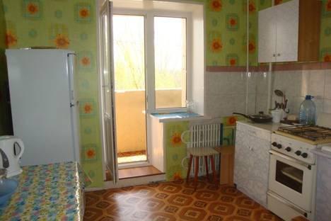 Сдается 1-комнатная квартира посуточнов Волжском, ул. Энгельса, 40.